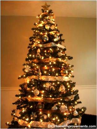 148208_1742344447021_5621689_n - Gold Christmas Tree Lights