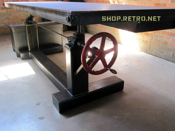 Retro Crank Table