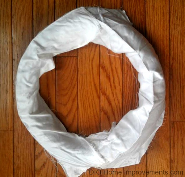 DIY Mummy Wreath Step 1